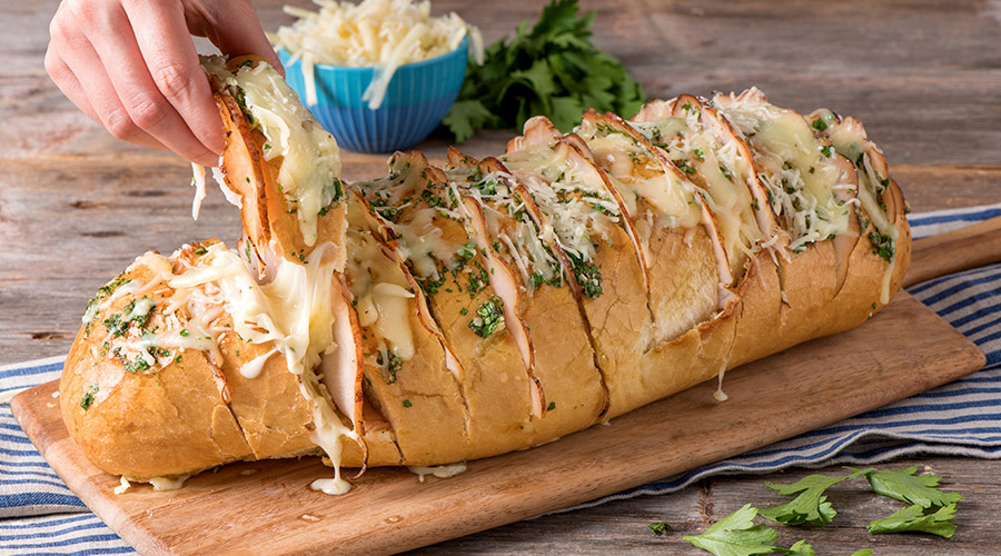 Cheesy Chicken & Garlic Pull-Apart Bread