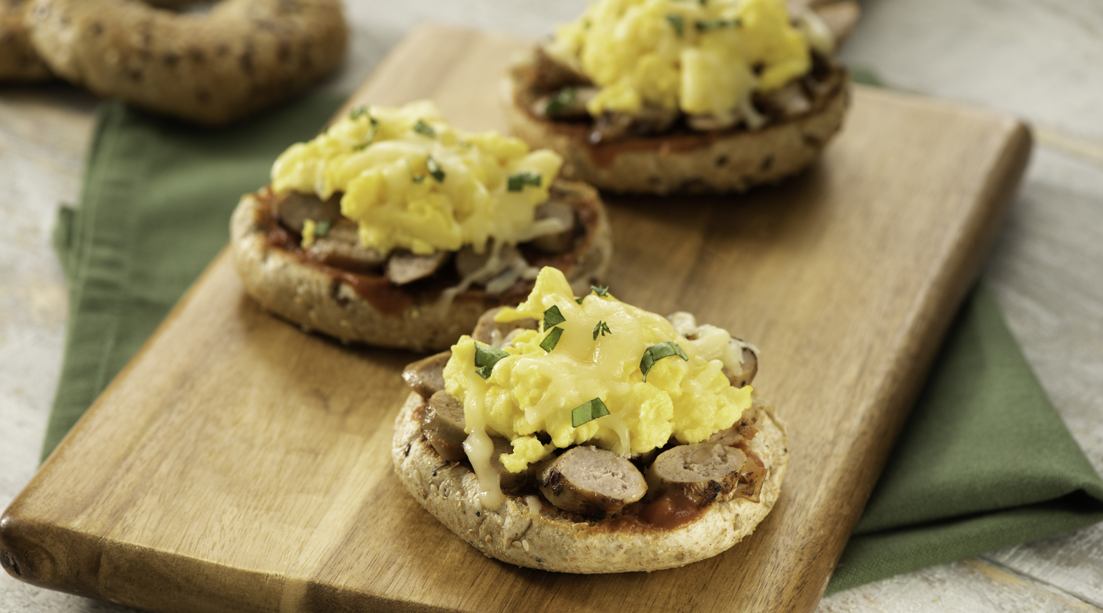 Sausage and Egg Breakfast Pizza Bagels