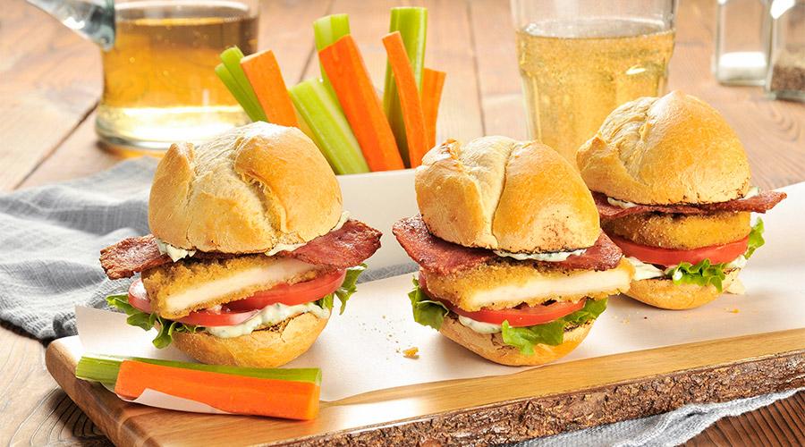 Sandwiches de dinde avec mayoau citron et au basilic